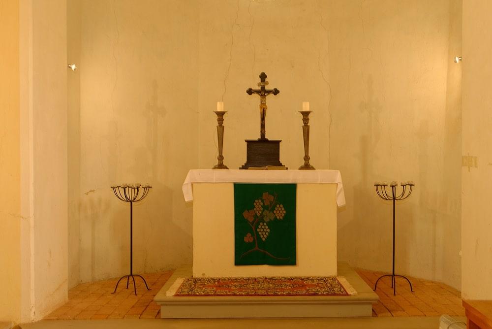 Altarraum (Apsis) in der Kirche in Wegezin