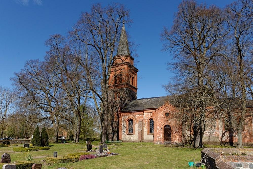 Kirche in Neuendorf B