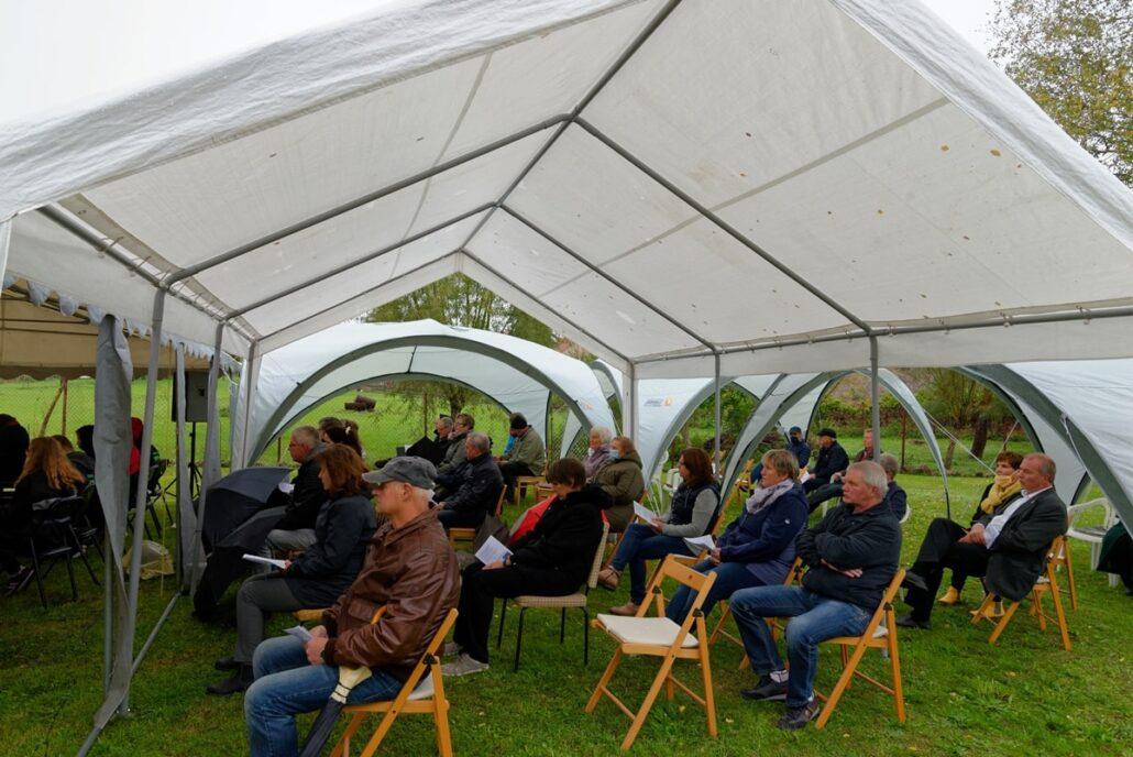 Gemeindemitglieder aus Albinshof & Wegezim beim Festgottesdienst