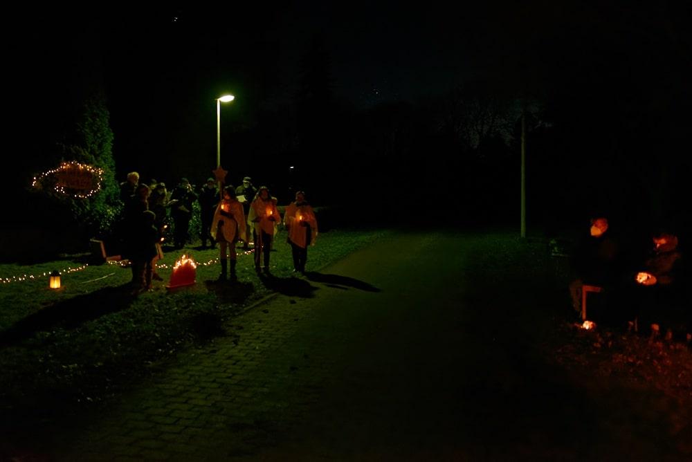 Unterwegs mit dem Weihnachtslicht am 18.12.2020 in Neuendorf B