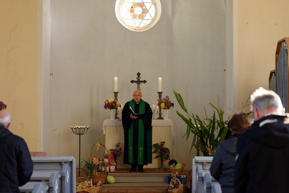 Erntedankfest 2021 in der Kirche in Wegezin mit Prädikant Burkhard Fröhlich