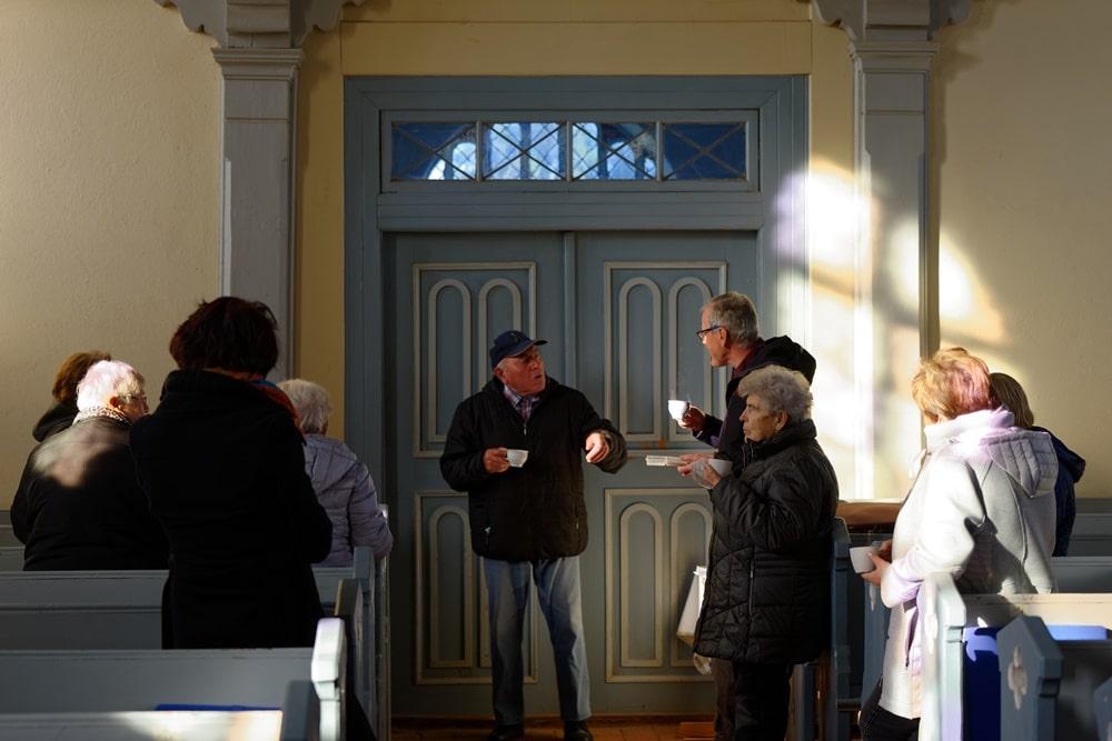Kirchenkaffee zum Erntedankgottesdienst in der Kirche in Wegezin
