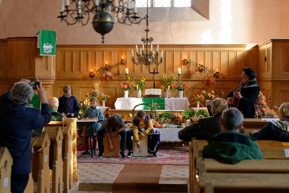 Erntedankgottesdienst mit Emil, Anton, Melanie, Nadine und Mila